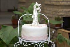 Традиционный красивый и очень вкусный свадебный пирог Стоковая Фотография RF
