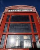 Традиционный красный киоск телефона Стоковое фото RF