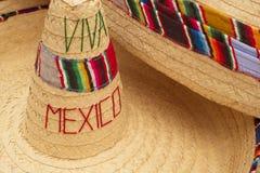 Традиционный мексиканский конец соломенной шляпы sombrero вверх стоковые изображения