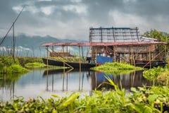 Традиционный дом сада озера Inle, Мьянмы Стоковые Фотографии RF