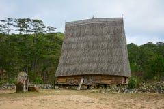 Традиционный дом людей в гористых местностях Dalat, Вьетнама Bana Стоковое Изображение RF