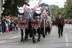 Традиционный парад костюма в Баварии Мюнхена Стоковое фото RF