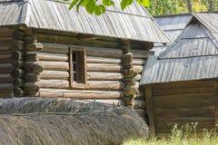 Традиционный румынский деревянный дом Стоковое Изображение RF