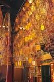 Традиционный спиральный ладан вставляет в китайском виске Стоковое Изображение RF