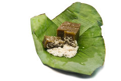 Традиционный тайский десерт на листьях банана. Стоковые Фотографии RF