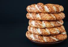 Традиционный турецкий бейгл - Simit Стоковое Изображение