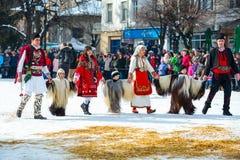 Традиционный фестиваль костюма Kukeri в Болгарии Стоковые Изображения