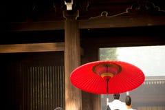 Традиционный японский зонтик в токио святыни Meiji, Японии Стоковое Фото