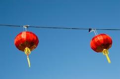 2 традиционных красных китайских фонарика Стоковые Изображения RF