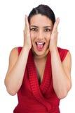 Тревоженый связанный с волосами представлять брюнет стоковое фото rf