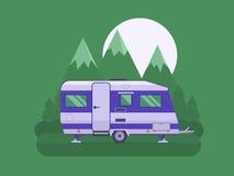 Трейлер туриста на национальном районе парка горы Стоковые Изображения