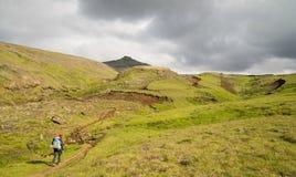 Трек Fimmvorduhals в Исландии стоковое изображение