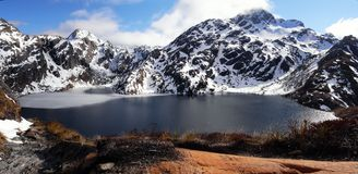 трек zealand routeburn озера новый стоковое изображение rf