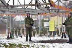 Тренажер для тренировки воинских parachutists перед первым скачет Стоковое Фото