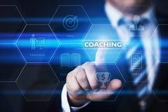 Тренировать концепцию обучения по Интернетуу развития тренировки образовательного бизнеса менторства стоковое изображение