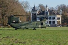 Тренировка вертолета армии и военновоздушной силы чинук Стоковое Изображение RF
