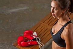 тренировка девушки боя тела Стоковое Фото