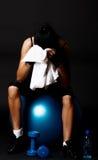 тренировка девушки aftter утомленная стоковая фотография rf