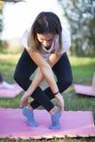 Тренировка девушки в природе Стоковое Фото