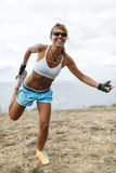 Тренировка женщины спортсмена Стоковые Фотографии RF