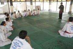 Тренировка и действие Pencak Silat Perisai Diri Стоковое Фото