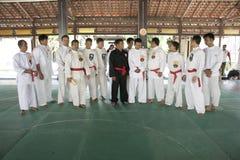 Тренировка и действие Pencak Silat Perisai Diri Стоковая Фотография RF
