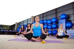 Тренировка йоги Стоковая Фотография
