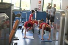 Тренировка команды женщин баскетбола Испании национальная на спортзале стоковые изображения