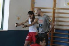 Тренировка команды женщин баскетбола Испании национальная на спортзале стоковая фотография rf