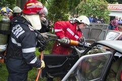 тренировка пожарных пожарного действия Стоковые Изображения