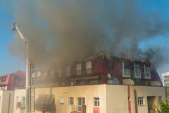 тренировка пожарных пожарного действия Стоковая Фотография RF