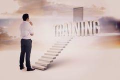 Тренировка против белых шагов водя к закрытой двери Стоковое Изображение