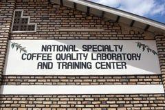 тренировка разбивочной лаборатории кофе руандийская Стоковая Фотография RF