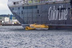 Тренировка спасения моря на фьорде Киля, Киле, Германии Стоковые Изображения