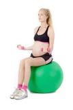 Тренировка фитнеса беременной женщины Стоковая Фотография