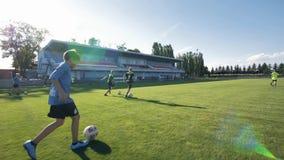 Тренировка футбола видеоматериал