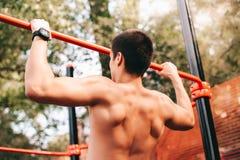 Тренировка человека внешняя стоковое фото rf