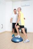 Тренировка для более старых людей Стоковое фото RF