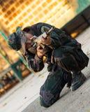 Тренирующая воина снайпера готовый для того чтобы напасть Стоковое фото RF