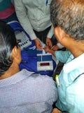 Тренируя процедура персонала полинга на избрание 2019 Lok Sabha или избрание 2019 Генеральной Ассамблеи держалась избранием стоковое фото rf