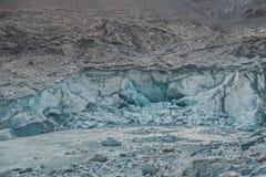 Трескать и плавить ледника Passu Gilgit baltistan, Пакистан стоковые фотографии rf