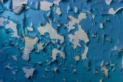 Треснутая краска на стене Стоковые Фотографии RF