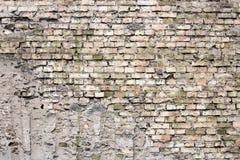 Треснутая черная кирпичная стена Стоковая Фотография RF