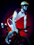 Триатлон велосипеда велосипедиста человека задействуя Стоковая Фотография RF