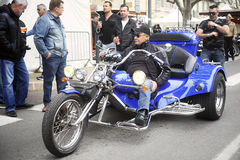 Трицикл к сходу американского мотоцикла Стоковые Изображения