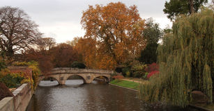троица реки коллежа кулачка моста стоковое изображение rf