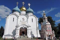 Троица Sergius Lavra в России Фото цвета с людьми Стоковое Изображение RF