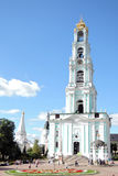 Троица Sergius Lavra в России Фото цвета с людьми Стоковое Изображение
