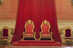 Троны короля и ферзя на дворце Ajuda, Лиссабоне Стоковое Изображение