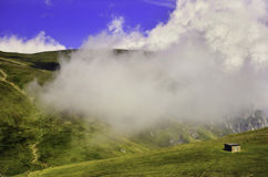 Тропа в горах - Bucegi - Румыния Стоковое фото RF